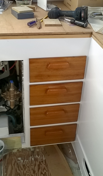drawers_in